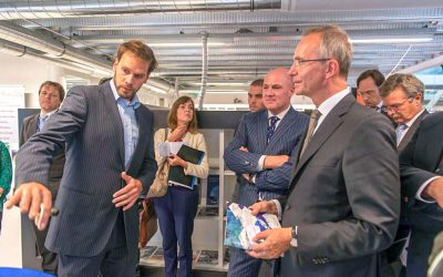 Ideevolutie presents for Minister Henk Kamp